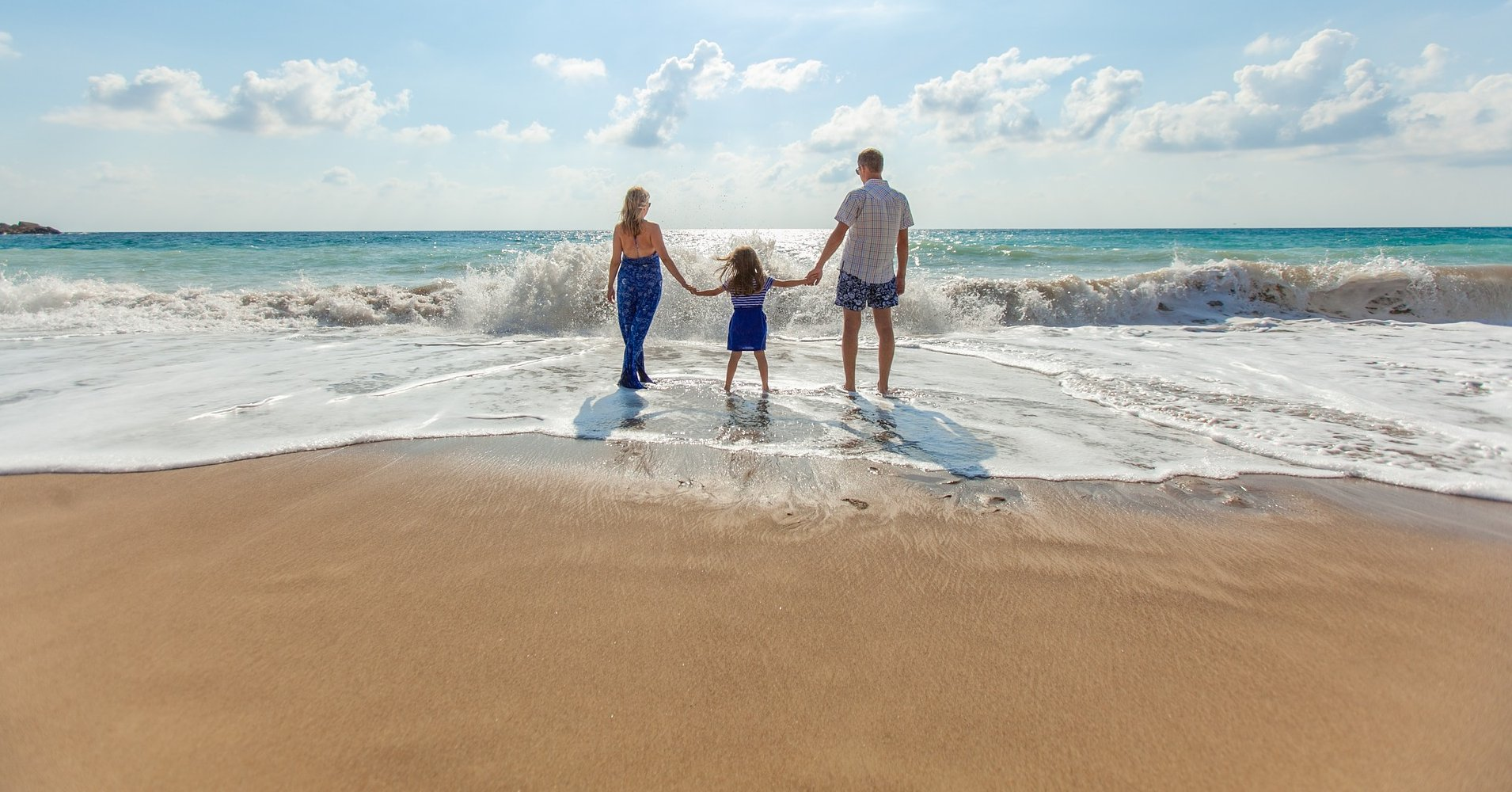 Ralli Ltd: How to Avoid the Big Holiday Rip-off Banner