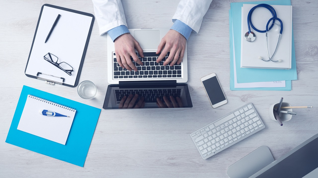Ralli Ltd: Your Medical Records Are Yours For FREE! Banner